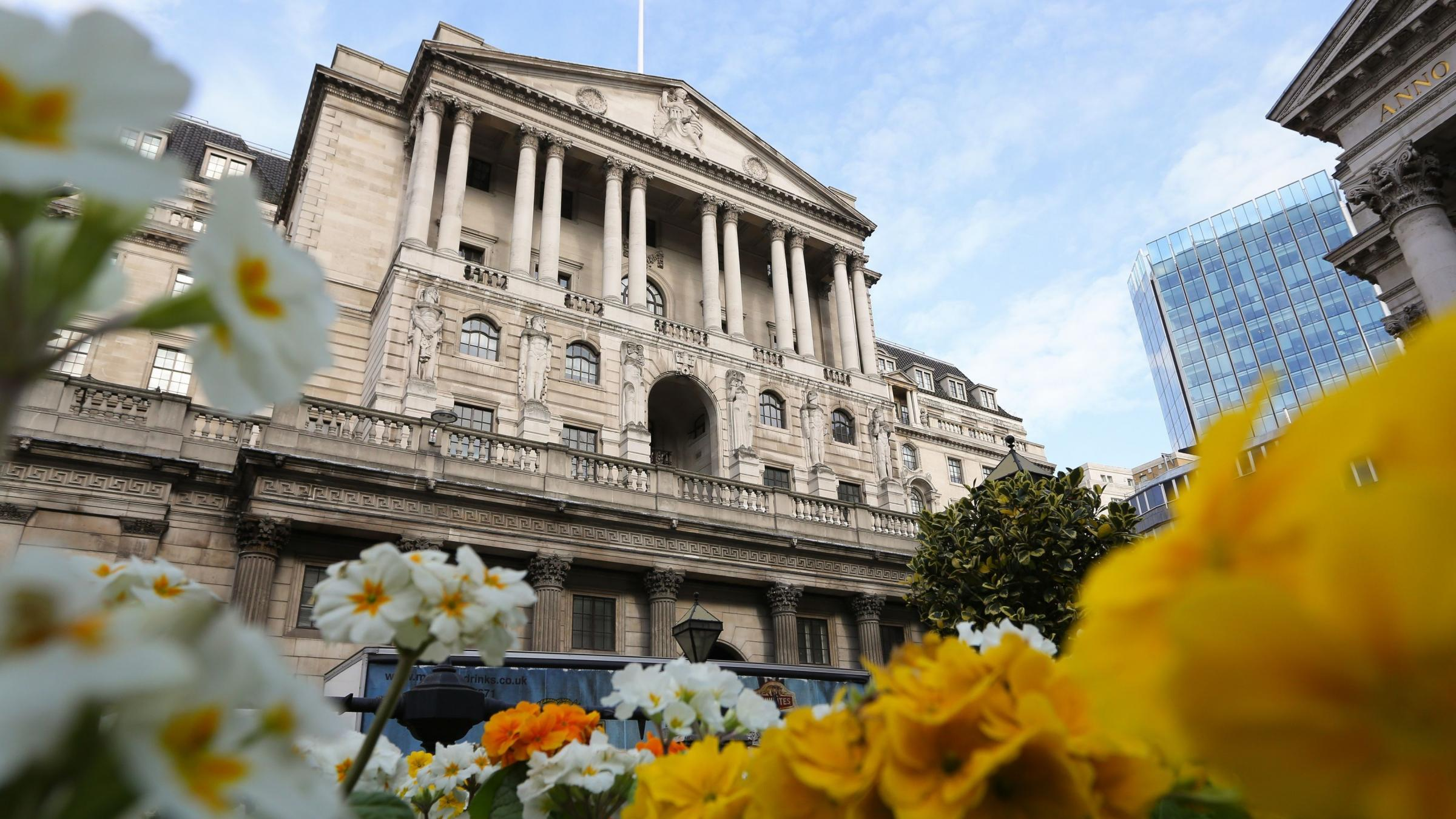Interest rates expected to be held at 0.25% after inflation reaches 2.9%